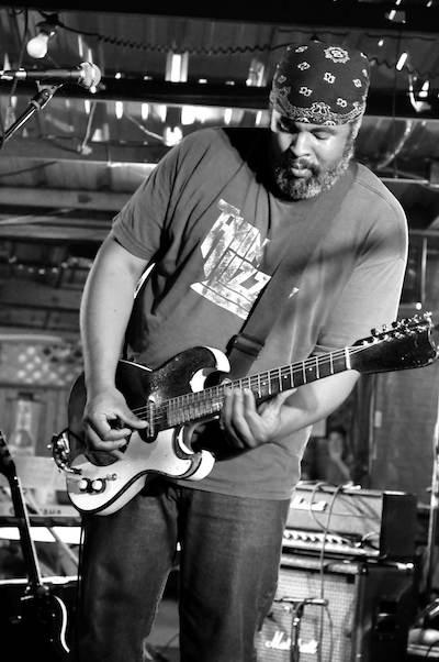 Alvin Youngblood Hart. Jazz Fest Focus. Photo by C. Kola.