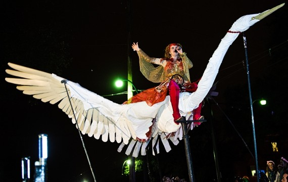 Theresa Andersson in the Krewe of Muses parade. Photo by Golden Richard.