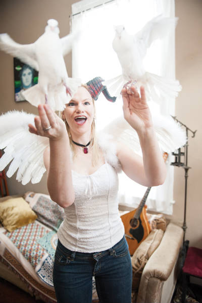 Beth Patterson, doves, photo, Elsa Hahne