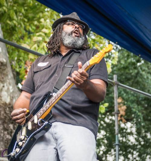 Alvin youngblood hard crescent city blues and bbq fest 2013 photo elsa hahne